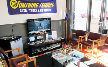 Sparks and Reno Auto Service | Sunshine Service Brake & Alignment - Waiting Room